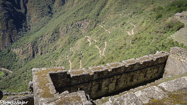 Estrada em Zigue Zague para chegar a Machu Picchu