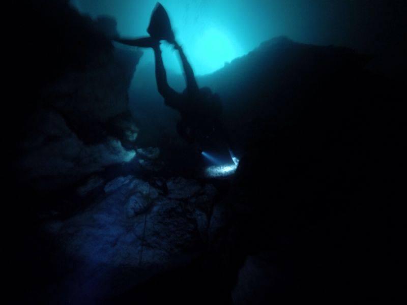 A escuridão do fundo da caverna