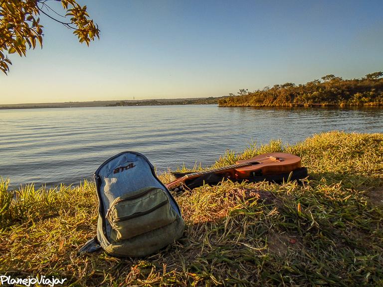 Relaxando na orla do Lago Paranoá na Ermida Dom Bosco